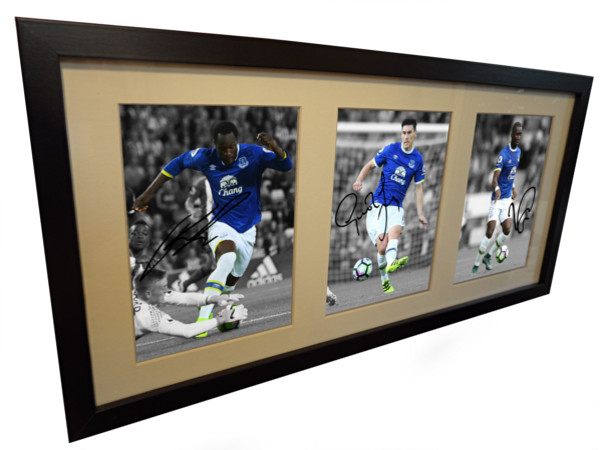Romelu Lukaku, Yannick Bolasie, Gareth Barry. Signed Everton Photo Picture Frame.