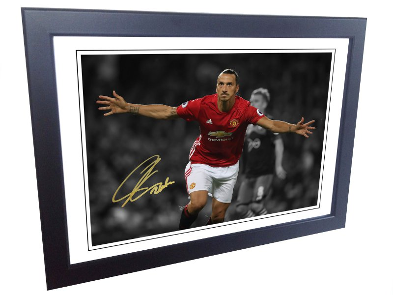 Zlatan Ibrahimovic. Signed Manchester United Photo picture photograph Frame. Autographed