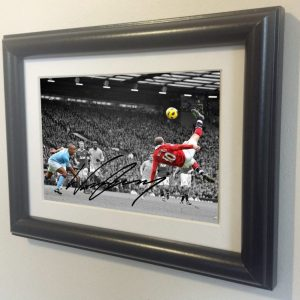 Wayne Rooney. Signed Manchester United Photo Picture Photograph Frame. Autographed Reprint. 6×4.